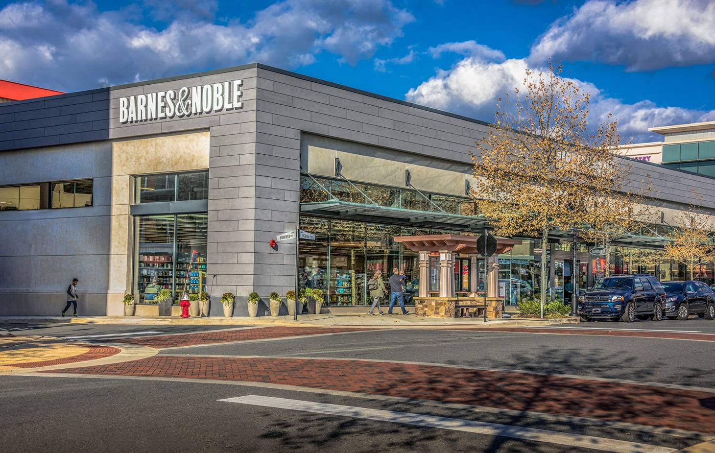 Barnes   Noble is testing store restaurants  6ab0fcd9f0046
